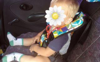 С какого возраста можно перевозить ребенка в бескаркасном автомобильном кресле и нужно ли: все «за и против»