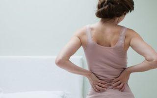 Почему может быть задержка месячных с белыми выделениями, болью внизу живота и другими симптомами?