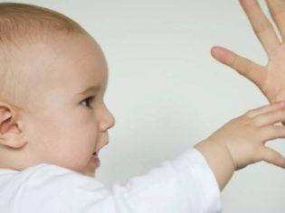 Виды сыпи на ладонях и ступнях у ребенка: фото прыщиков и пятен с пояснениями