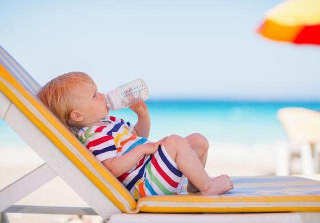 Сыпь на теле ребенка на море или после отдыха - чем вызвано появление аллергии или крапивницы у детей?