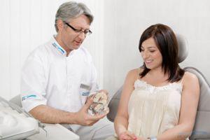 Почему у ребенка появился нарост на десне: симптомы эпулиса с фото и способы лечения