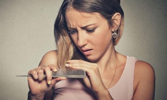 Окрашивание при грудном вскармливании: можно ли кормящей маме красить волосы, брови и ногти во время лактации?