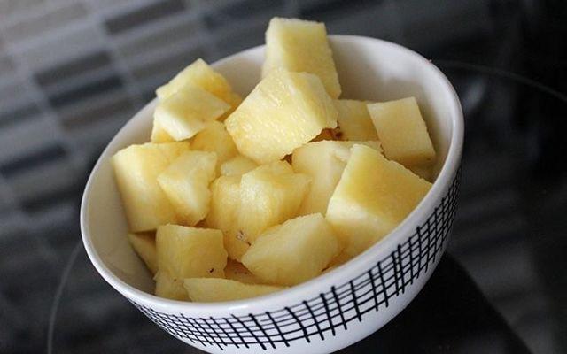 Можно ли кормящей маме кушать ананас: свежие и консервированные плоды при грудном вскармливании