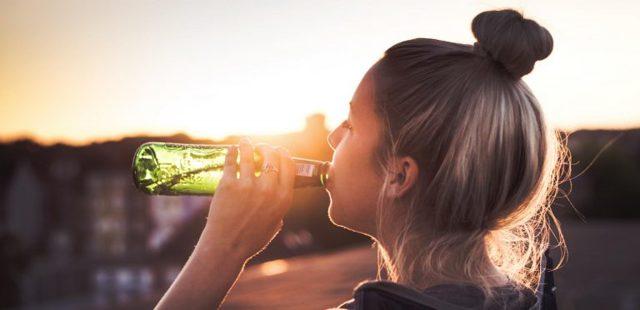 Можно ли кормящей маме употреблять пиво, вино и шампанское: алкоголь и безалкогольные аналоги при грудном вскармливании
