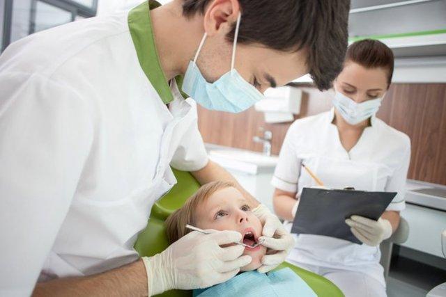 Показания к удалению молочного зуба ребенку: больно ли это и будут ли последствия?