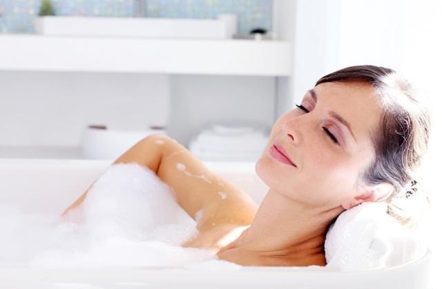 Когда можно полностью мыться в душе и принимать ванну после кесарева сечения?