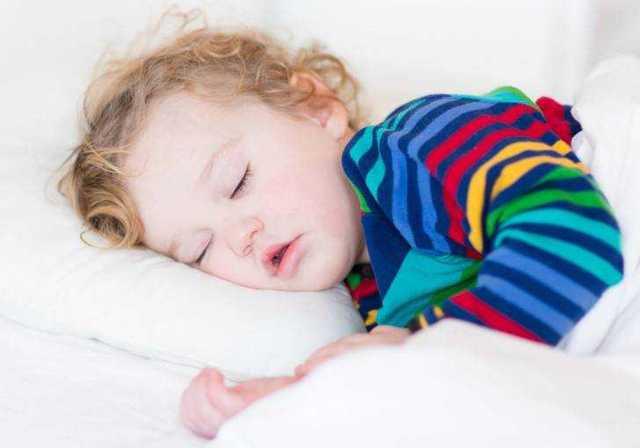 Развитие и рацион питания ребенка в 1 год 5 месяцев: что должен уметь карапуз, как организовать его режим дня?