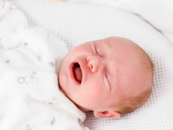 Причины возникновения судорог у ребенка во сне и во время бодрствования, последствия и первая помощь
