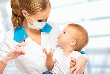 Можно ли отказаться от первых прививок в роддоме и последующей вакцинации, в какой форме написать заявление?