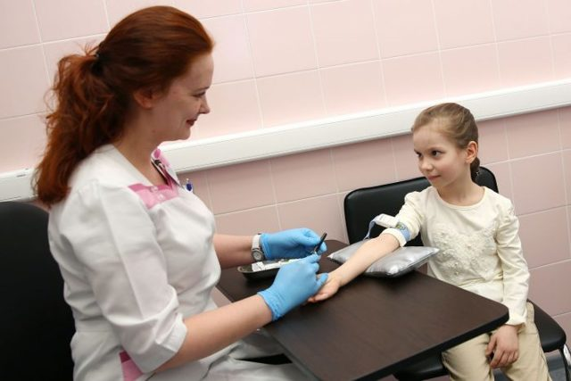 Норма лимфоцитов в анализе крови у грудничка и ребенка старше года - таблица по возрасту