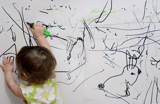 Почему ребенку нравится рисовать черной краской: психология цвета в детских рисунках