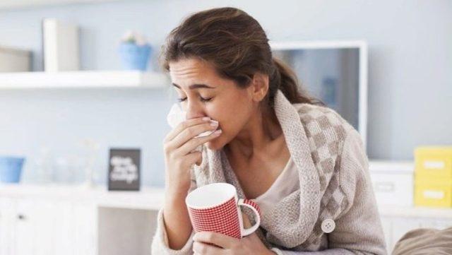 Как различить пмс и беременность до задержки, какие бывают симптомы на ранних сроках?
