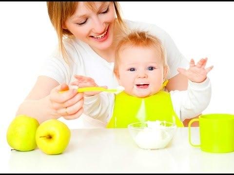 Что можно давать ребенку 4-х месяцев из еды: рацион питания и меню при искусственном и грудном вскармливании