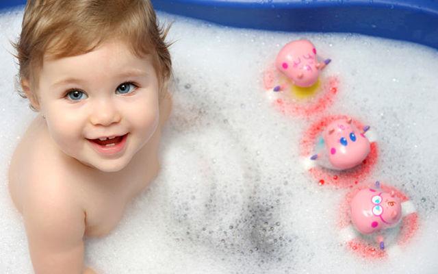 Как остановить сильный сухой кашель у ребенка в домашних условиях - чем снять приступ ночью?