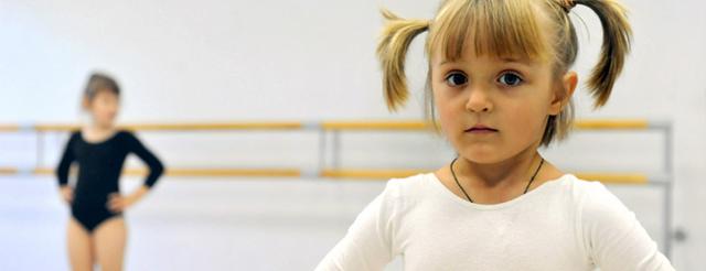 Куда отдать мальчика и девочку в 3-4 года: обзор спортивных секций и развивающих кружков для детей