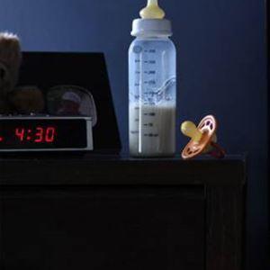 Как отучить ребенка от бутылочки и грудного вскармливания ночью: отказываемся от ежедневных ночных кормлений