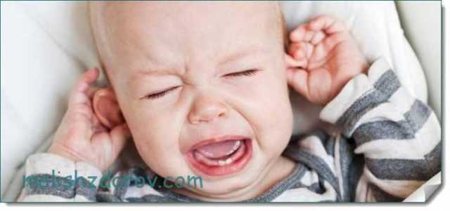 Когда новорожденный ребенок начинает слышать и видеть после рождения: этапы развития слуха и зрения по месяцам