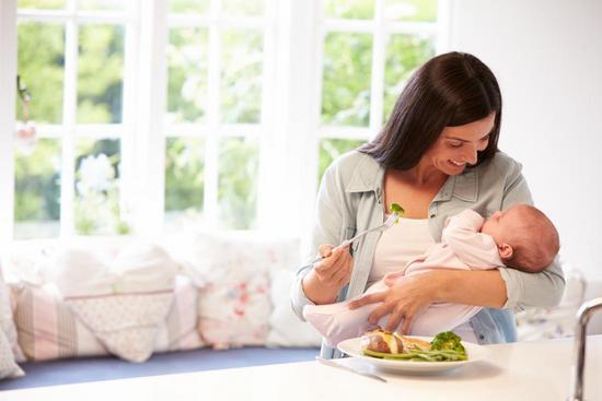 Швы саморассасывающиеся и синтетические, внутренние и внешние: как долго заживают после родов и чем их обрабатывать?