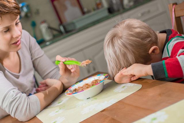 Тошнота, рвота и понос у маленького ребенка с температурой и без: что делать и чем лечить малыша?