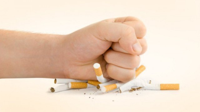 Можно ли курить во время кормления грудью, попадает ли никотин в молоко: последствия курения при грудном вскармливании