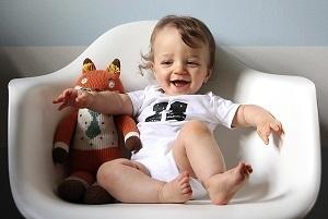 Все о развитии ребенка в 11 месяцев: основы правильного питания и ухода за малышом
