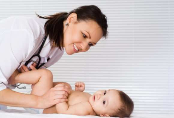 Почему грудничок и ребенок старше года мало и редко писает: причины проблемного мочеиспускания и методы лечения