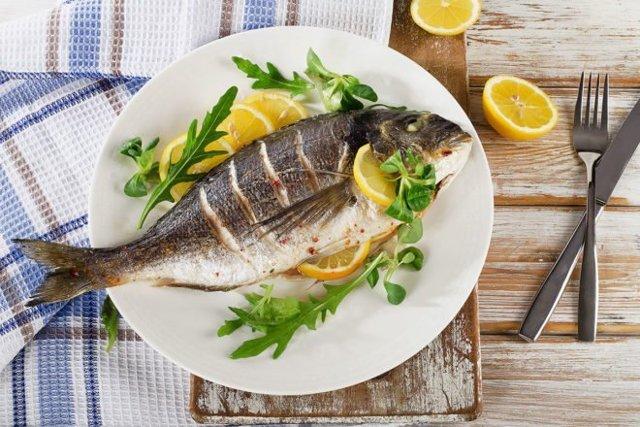 С какой рыбы лучше начинать прикорм: введение рыбных блюд в рацион ребенка 8-10 месяцев до 1 года