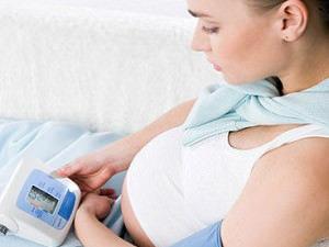 Высокое давление на ранних и поздних сроках беременности: чем опасно и что делать?