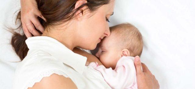 Использование прокладок и вкладышей при грудном вскармливании: решаем проблему подтекания молока у кормящей мамы