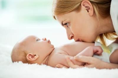 Как развивать ребенка 3-х месяцев: игрушки, занятия и развивающие игры с малышом в домашних условиях