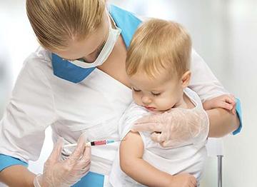 Как и куда ставят уколы маленьким детям, можно ли научиться делать инъекции самостоятельно в домашних условиях?