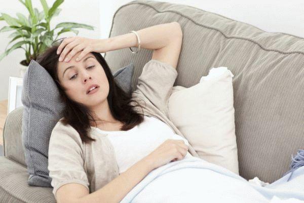 Могут ли месячные идти при внематочной беременности, бывает ли задержка менструации?