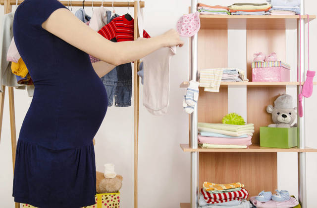 Что нужно брать с собой в роддом: точный список необходимых вещей для мамы и новорожденного