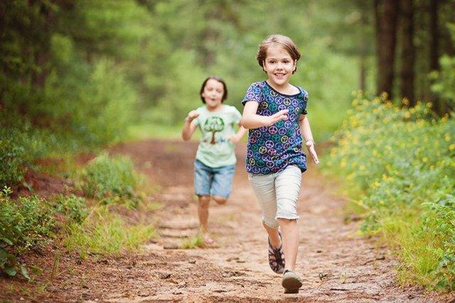 Почему у ребенка на ногах и по телу без причины появляются синяки - что это может быть?