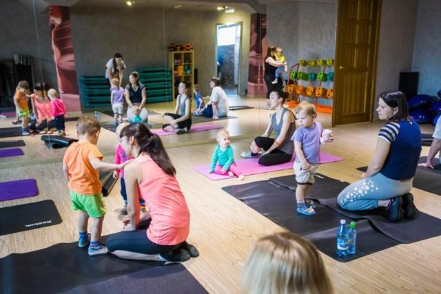 Физические упражнения для похудения и восстановления после родов: тренировки в домашних условиях