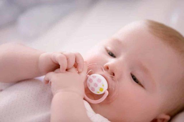 Что делать, если у кормящей мамы мало молока: признаки нехватки и способы увеличить лактацию