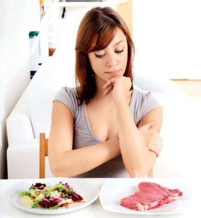 Красное мясо при грудном вскармливании: можно ли кормящей маме кушать свинину и сало?