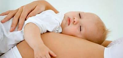 Можно ли забеременеть в период грудного вскармливания: признаки при лактации и кормление грудью во время беременности