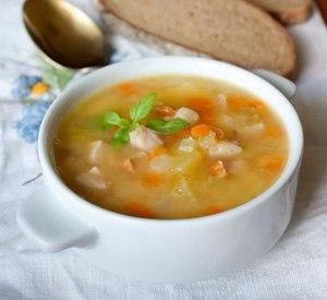 С какого возраста ребенку можно давать горох: сроки введения горохового супа и каши в рацион малыша с рецептами