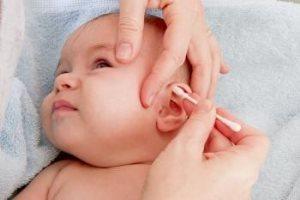 Когда можно показать новорожденного ребенка друзьям и родственникам: ждем традиционные 40 дней?