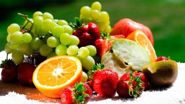 Какие овощи и фрукты можно кушать кормящей маме: обзор свежих и тушеных блюд, разрешенных при грудном вскармливании