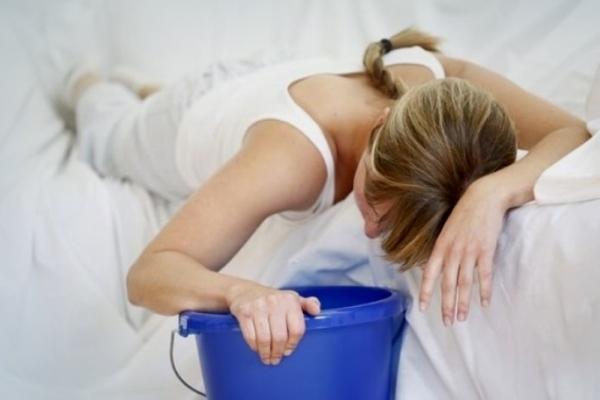 Почему ребенка может часто тошнить по утрам: возможные причины и способы лечения