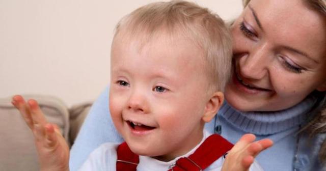 Ребенок с олигофренией: признаки умственной отсталости, виды дефекта и способы лечения