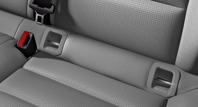 Как в машине крепить автолюльку и детское автокресло: схема установки ремнями безопасности и isofix