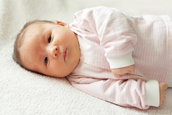 Как проявляется детский аутизм у новорожденных и малышей до 3 лет: признаки и диагностика