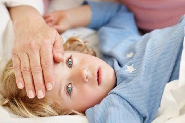 Лечение сухого кашля у детей при аденоидах: список препаратов и процедур