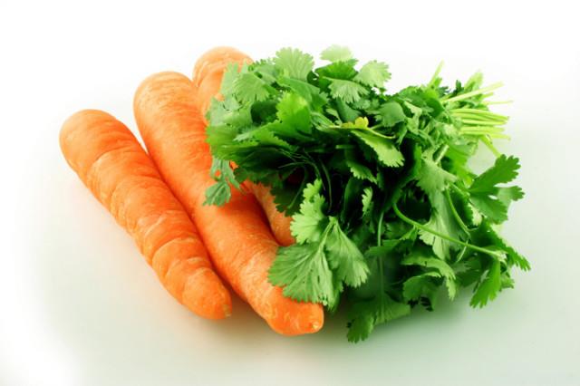 С какого возраста вводить морковь в прикорм грудничка и как: рецепты приготовления морковного пюре и сока для ребенка