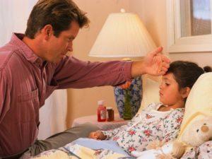 Нормы и повышенные показатели лейкоцитов в моче у ребенка: причины отклонений и способы лечения