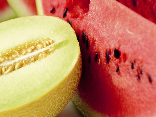 Можно ли кормящей маме кушать арбуз: все
