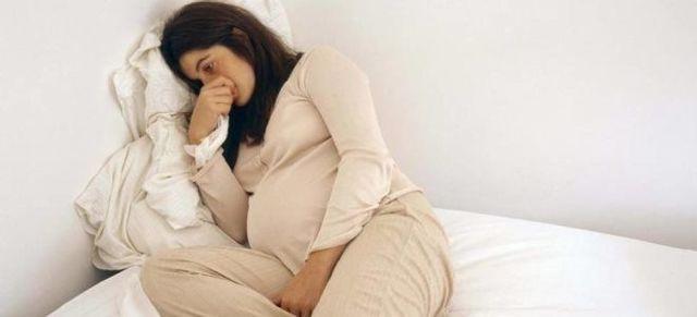 Какие выделения бывают и должны быть в норме во время беременности, что значат обильные, прозрачные или красные?